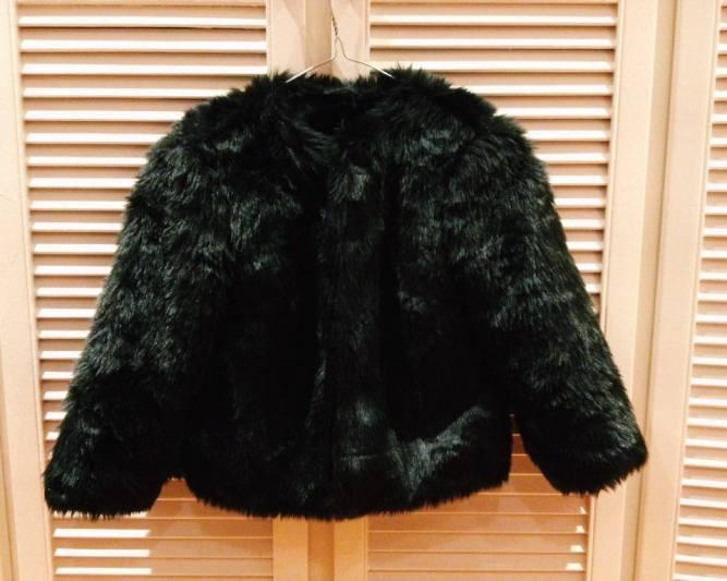 Faux Fur Cropped Black Jacket.